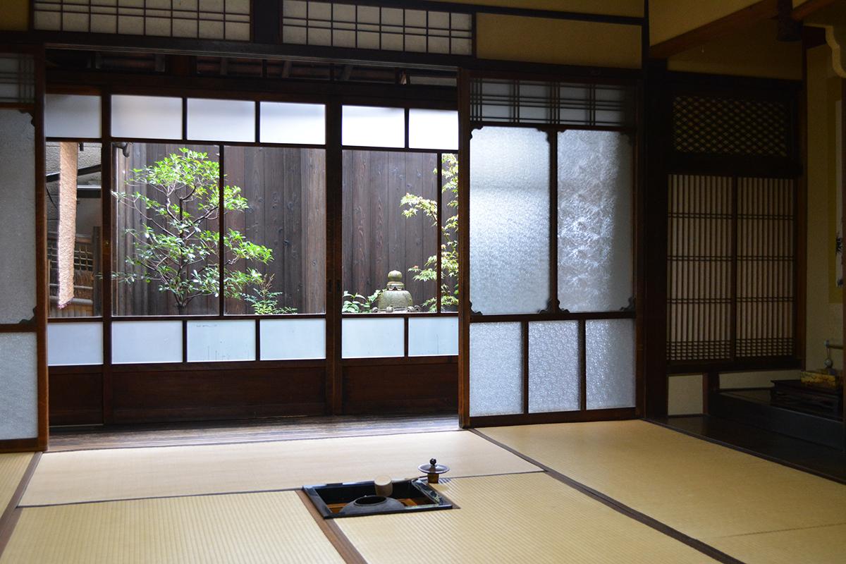 1階 玄関とミセニワ(土間)3