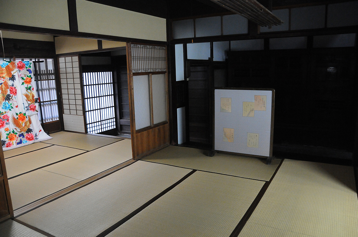 1階 和六畳 (ナカノマ)1